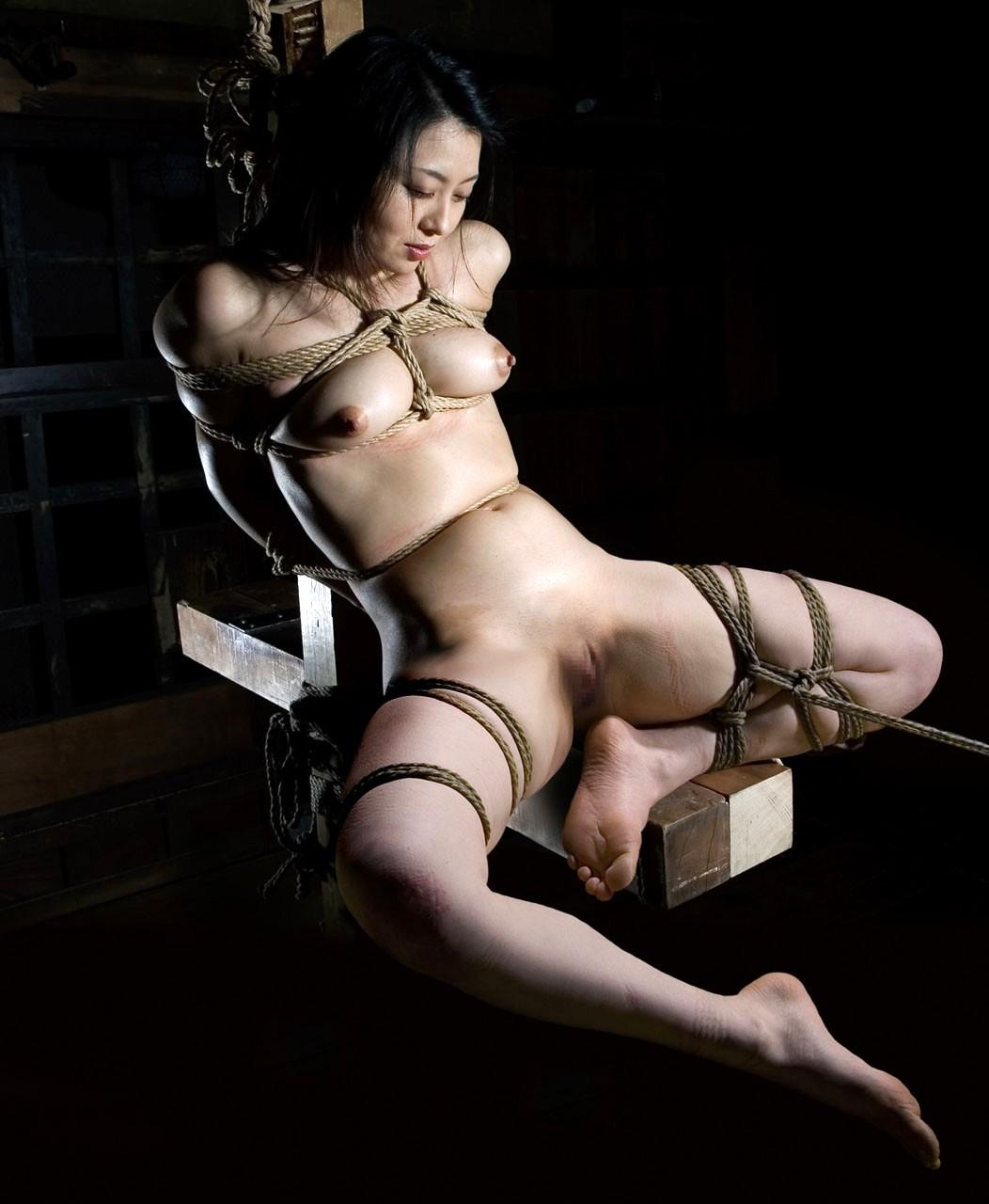 porno-svyazal-yaponku